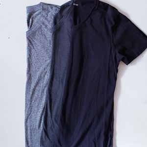 Bundle of mens v neck medium tee shirts